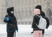 COVID-19 Nga: Xấu báo động, vi phạm cách ly có thể bị 7 năm tù