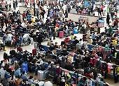 Bao nhiêu người đã rời Vũ Hán trong ngày đầu dỡ bỏ phong tỏa?