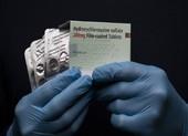 WHO sẽ nối lại thử nghiệm dùng thuốc sốt rét trị COVID-19