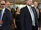 Bà Mạnh Vãn Châu không được thả, vụ án dẫn độ vẫn tiếp tục