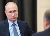 Nga bảo vệ ông Putin khỏi COVID-19 bằng 'đường hầm khử khuẩn'