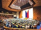 Nghị sĩ Philippines nói về vaccine Trung Quốc: Đừng ràng buộc!