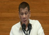 Ông Duterte: Dùng xăng khử trùng khẩu trang không phải lời đùa