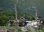 Ấn Độ điều 35.000 quân, 5 tiêm kích Rafale sát Trung Quốc