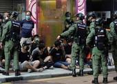 Hong Kong lại biểu tình dữ dội, gần 300 người bị bắt