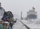 Siêu bão Surigae: Tàu mắc cạn, 20 thuỷ thủ đang được tìm kiếm
