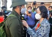 Bà Trương Thị Mai dự lễ giao nhận quân tỉnh Sóc Trăng