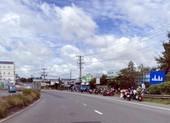 Nhiều người Bạc Liêu tự về quê bị chặn ở cửa ngõ tỉnh Hậu Giang