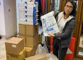 Thanh niên Việt Nam tại Séc tặng nhu yếu phẩm bà con vùng dịch
