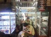 Trung tâm thương mại, siêu thị vẫn công khai bán hàng lậu