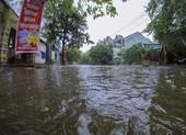 Một số đường ở Huế ngập  nặng, 2 thủy điện xả lũ