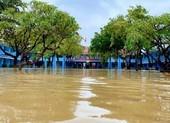 Mưa lớn ở Huế: Học sinh nghỉ học, vùng núi nguy cơ sạt lở đất