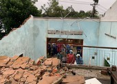 Lốc xoáy do bão gây ra tàn phá 20 nhà của người dân Quảng Nam, Quảng Ngãi