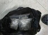 Mang ma túy lên khu phố Tây bán thì gặp công an