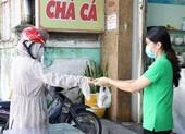 Hàng quán được bán mang về, Đà Nẵng tấp nập ngày đầu mở cửa lại