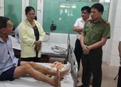 Bắt khẩn cấp người chém công an viên đứt gân chân