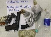 Bắt nhóm bán ma túy thủ 6 khẩu súng