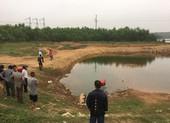 Trượt chân rơi xuống hồ, 2 học sinh tử vong