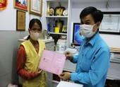 Vợ người bị rắn hổ mang cắn ủng hộ 80 triệu cho bệnh nhân khác