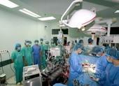 Bộ trưởng Bộ Y tế tri ân người mẹ dũng cảm hiến tạng con
