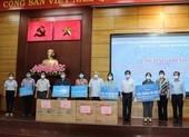 HĐND TP.HCM tặng quà hỗ trợ người khó khăn tại TP Thủ Đức