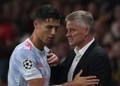 HLV Solskjaer: 'Ronaldo cũng là con người, cần phải chăm sóc'