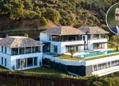 Huyền thoại MU choáng váng khi thăm nhà của Ronaldo