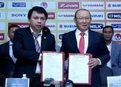 VFF gia hạn 1 năm với thầy Park trước trận gặp Trung Quốc