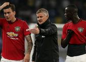 Man United lo sốt vó với chấn thương của Varane và Maguire