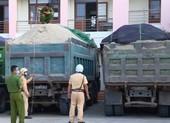 Đắk Lắk: Xử lý nhiều xe ben chở cát vi phạm tải trọng