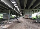 TP.HCM kiến nghị làm đường, bãi đậu xe dưới gầm cầu cao tốc