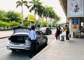 Lúng túng đón xe công nghệ ở sân bay Tân Sơn Nhất