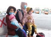 400 người dân Phú Yên ở TP.HCM được công ty Phương Trang đưa về quê