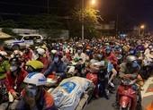 Long An đang đón người dân bị kẹt ở chốt kiểm soát giáp ranh TP.HCM về quê