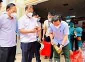 Bí thư Nguyễn Văn Nên kiểm tra phòng dịch ở huyện Bình Chánh