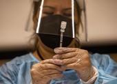 Người tiêm vaccine sởi được bảo vệ trọn đời, vì sao vaccine COVID-19 lại không?