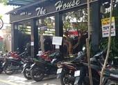Đồng Nai: Quán cà phê vẫn đông người dù có lệnh tạm dừng