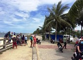 Dân Đà Nẵng góp tiền an táng thi thể vô danh trôi trên biển