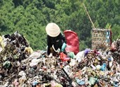 Dân bãi rác muốn lãnh đạo đến ở cùng để biết việc ô nhiễm