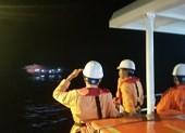 Xuyên đêm cấp cứu ngư dân nguy kịch trên biển ngày lễ