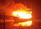 Tàu cá neo đậu phát nổ, 8 người thương vong, mất tích