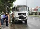 Đà Nẵng: Hai phụ nữ bị xe trộn bê tông cuốn vào gầm