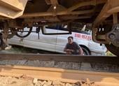 Xe khách bị tàu hỏa tông, nhiều người bị thương