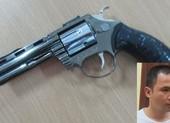 Dùng súng rởm, giả danh Cảnh sát hình sự để cướp tài sản của gái bán dâm