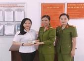 Nữ thiếu tá ở An Giang trả lại tiền cho người làm rơi