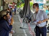 Bí thư Đà Nẵng thăm và hỏi người dân các biện pháp chống dịch, hỗ trợ