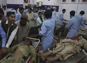 Đánh bom kinh hoàng ở Pakistan, 132 người chết