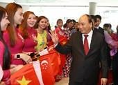 Thủ tướng đến Singapore dự Hội nghị cấp cao ASEAN