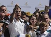 Ông Maduro nói tòa án đang làm việc về lệnh bắt ông Guaido