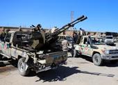 Bị chiếm sân bay cũ, phe Tướng Haftar đánh bom sân bay mới